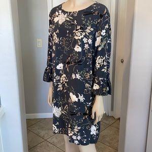 Old Navy floral grey shift dress, size Large